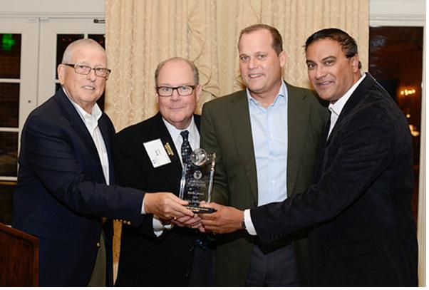 John Dewberry Wins Apollo Award at MoMENtum
